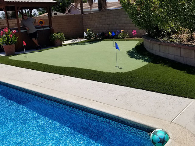 putting green for backyards